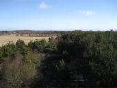 Näkymä tornista (ei enää olemassa) itään, horisontissa Abruka (oikealla) ja Roomassaare 13km päässä. (c) Sampsa Cairenius